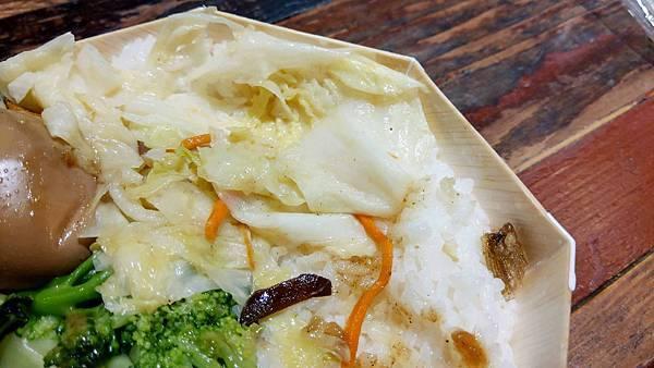 【台北美食】台鐵便當本舖-台北車站裡CP值最高的美食便當