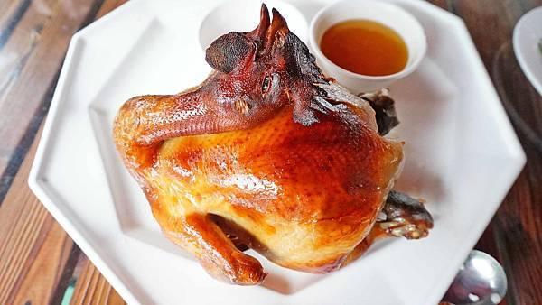 【八里美食】左岸甕仔雞-皮脆內嫩不乾柴又下飯的美味烤雞