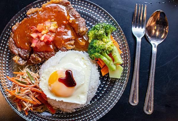 【三重美食】時光寄憶早午餐-珍珠奶茶早午餐!別的地方吃不到的特色餐點!三重捷運站三號出口旁
