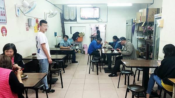 【五股美食】米粉湯, 豬油拌飯-24小時營業美味又好吃的小吃店