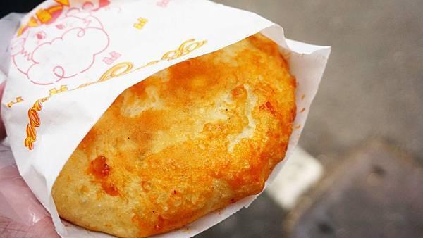 【板橋美食】花蓮光復高麗菜煎餅-外皮薄的跟紙一樣的酥脆美味的銅板美食
