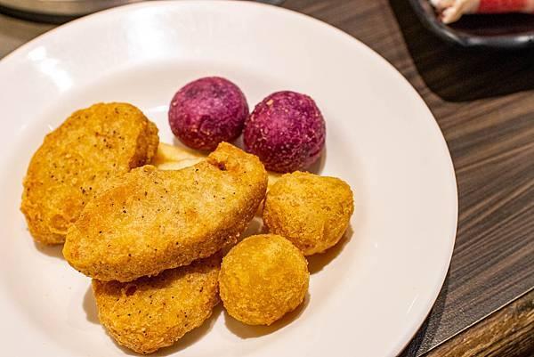 【新莊美食】小鮮鍋新莊店-最低不到370元!超過100種不同食材火鍋吃到飽