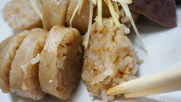 【基隆美食】基隆孝三大腸圈-基隆火車站附近巷弄裡的爆人氣排隊美食大腸圈