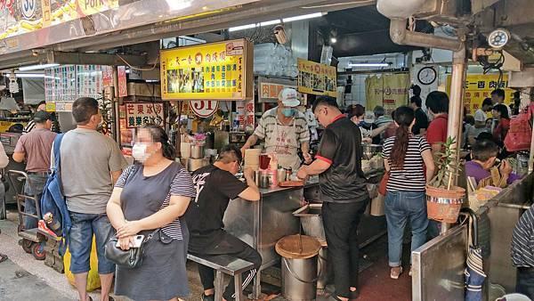 【基隆美食】天一香肉羹順-1碗滷肉飯只要20元!基隆夜市裡最受歡迎的美食小吃店