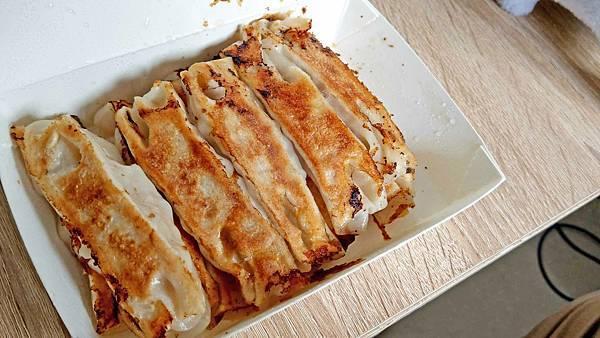 【中和美食】小多多鍋貼-不用沾醬就很好吃的美味鍋貼店