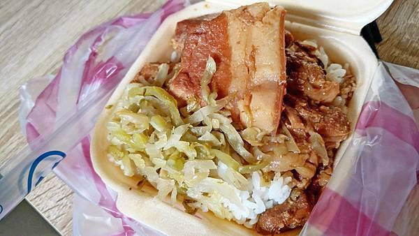 【中和美食】168招牌控肉飯-內行人才知道的超低調美味控肉飯小吃店