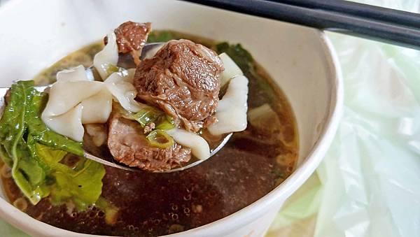 【中和美食】中和小館-絕無僅有的銅板價!牛肉麵只要90元就能吃的到