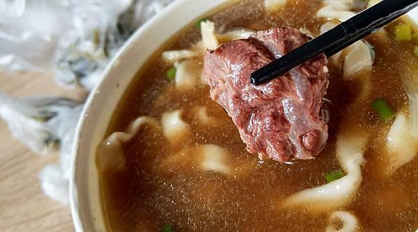 【中和美食】吃得飽專業牛肉麵-免費加麵加湯不加價的超平價牛肉麵
