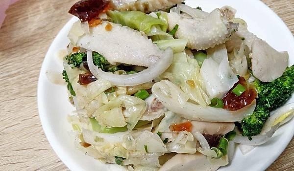 【板橋美食】香辣好吃鹽水雞-隱藏在巷弄裡評價爆高的鹽水雞店