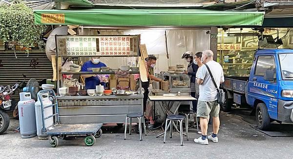 【台北美食】黑白切-20元乾麵30元黑白切,全台北CP值最高的24小時麵店