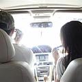 司機塞亞人正在跟我男友講手機