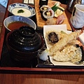 午餐吃川七壽司