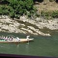 有人在搭船遊保津川