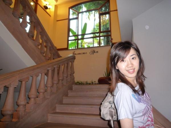 接著到吳哥聖卡藝術酒店做精油SPA按摩哩!