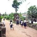 吳北鼻和柬埔寨的小朋友