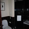 浴室也很大