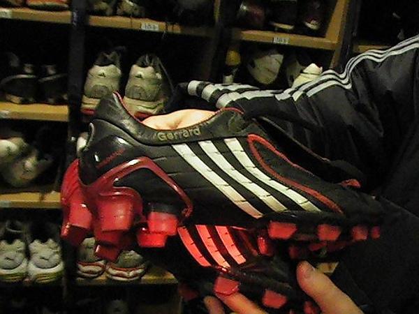傑拉德的球鞋