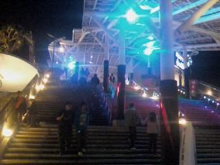 清水站的彩燈梯一.jpg