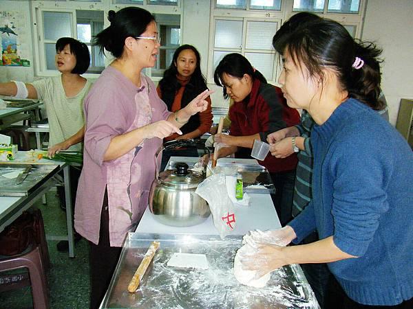 製作蔥油餅3.jpg