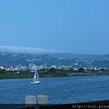 往員山的路上,有帆船耶!!酷~