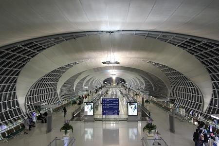 泰國蘇汪納蓬機場.JPG