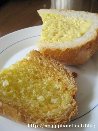 奶油大蒜法包2.jpg