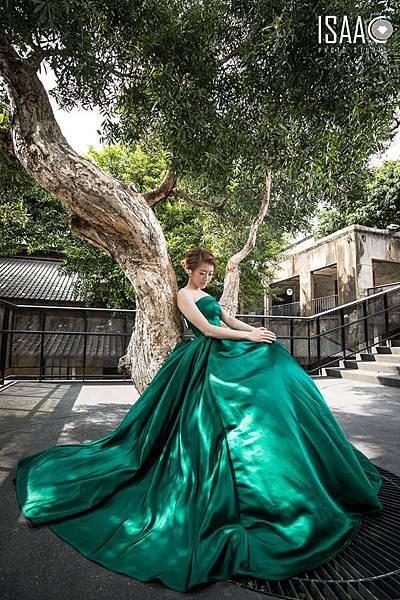 NO.9設計款綠色緞面蓬裙禮服