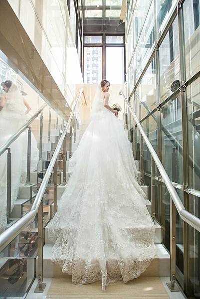 NO.9華麗馬甲婚宴白紗