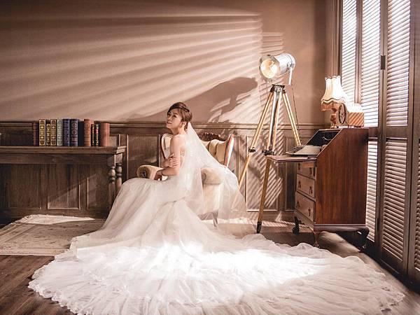 NO.9-美背蕾絲手工婚紗
