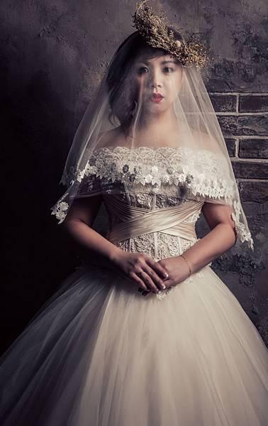 自助婚紗.馬甲式澎裙類白紗
