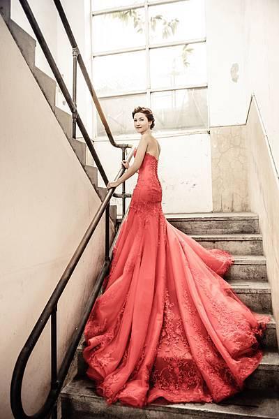NO.9婚紗攝影-華麗桃心領紅色禮服