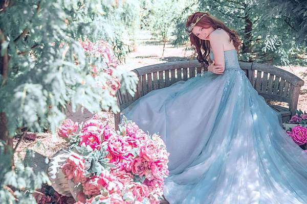 NO.9婚紗攝影- 典雅蕾絲湖水綠禮服