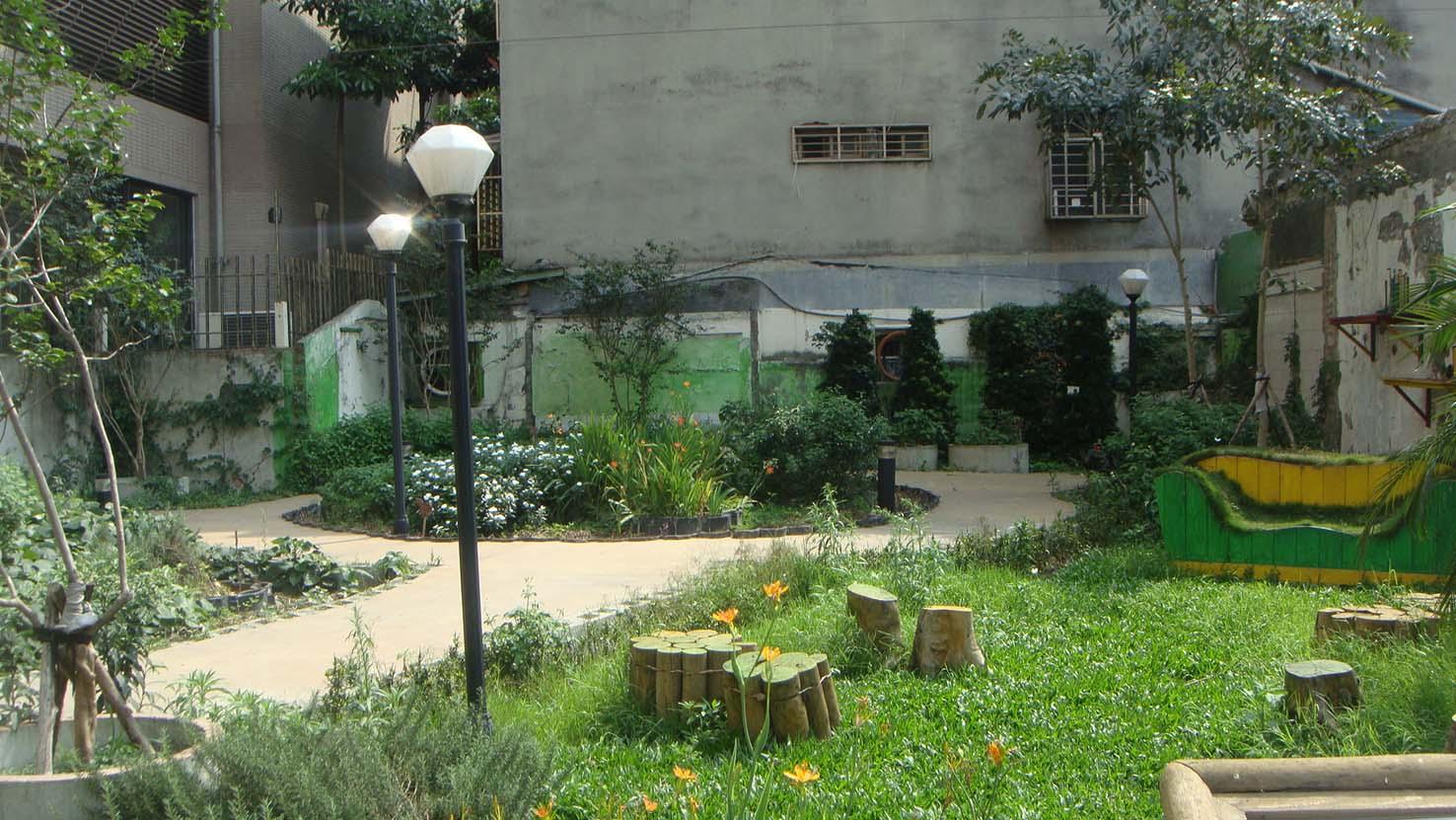 台北城市的小公園.JPG