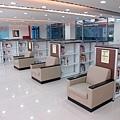 二樓圖書借閱區.JPG