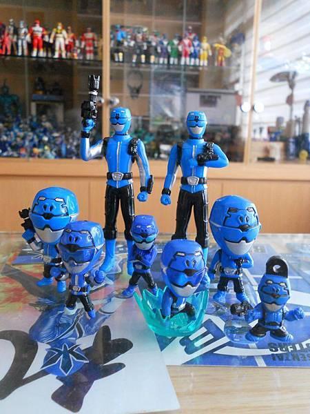 藍色巴士特吊飾.jpg