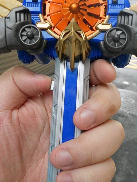 著裝飛劍07