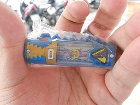 迪斯龍者獸電池.JPG