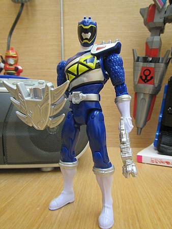 Dino Charge Blue11