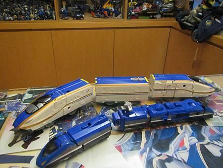 新幹線E704.JPG