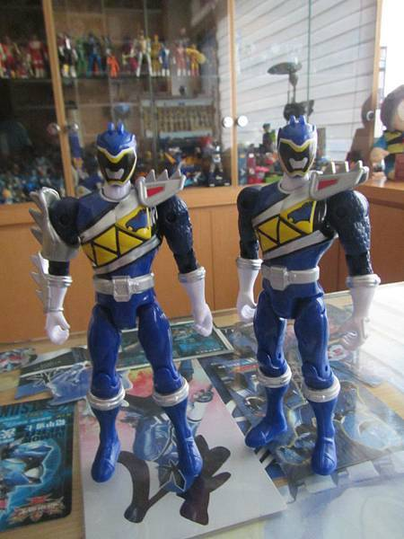 Dino Steel Blue Ranger03