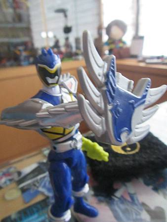 Dino Steel Blue Ranger05