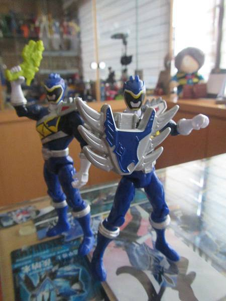 Dino Steel Blue Ranger