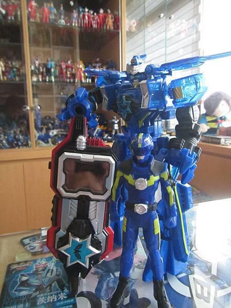 藍旋衛01