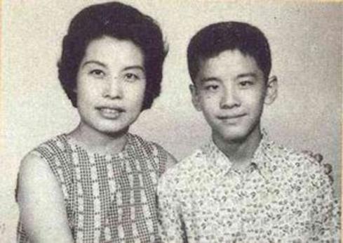 圖二:少年姜大衛與母親紅薇,紅薇40年代在上海出道,50-60年代參與多部國語片.jpg