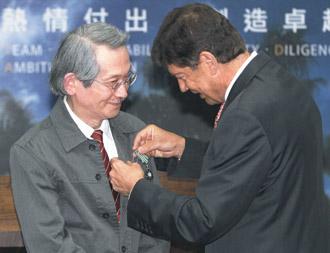 獲頒騎士勳章 王文興:這個獎應頒給台灣.jpg