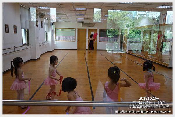 18-1011023斐藝跳芭蕾24