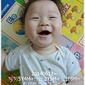 4-1030612三寶笑&姐姐彈琴1.jpg