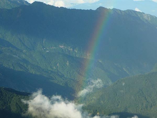 還有彩虹>\\<