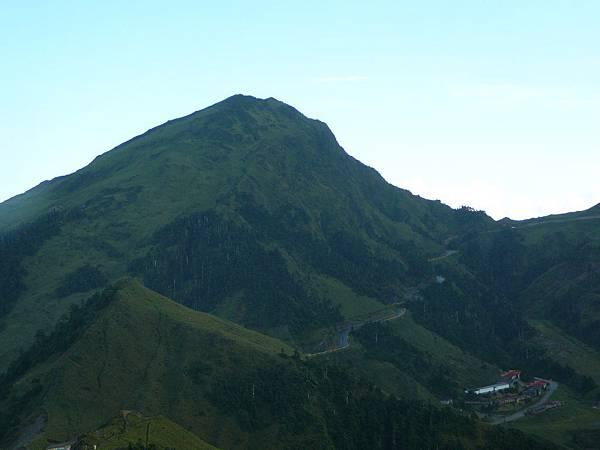 合歡東峰~~...诶...為什麼我們剛剛上去的時候雲霧繚繞咧~~~
