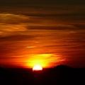 日出時分^^ 不過拍得好像夕陽...哈